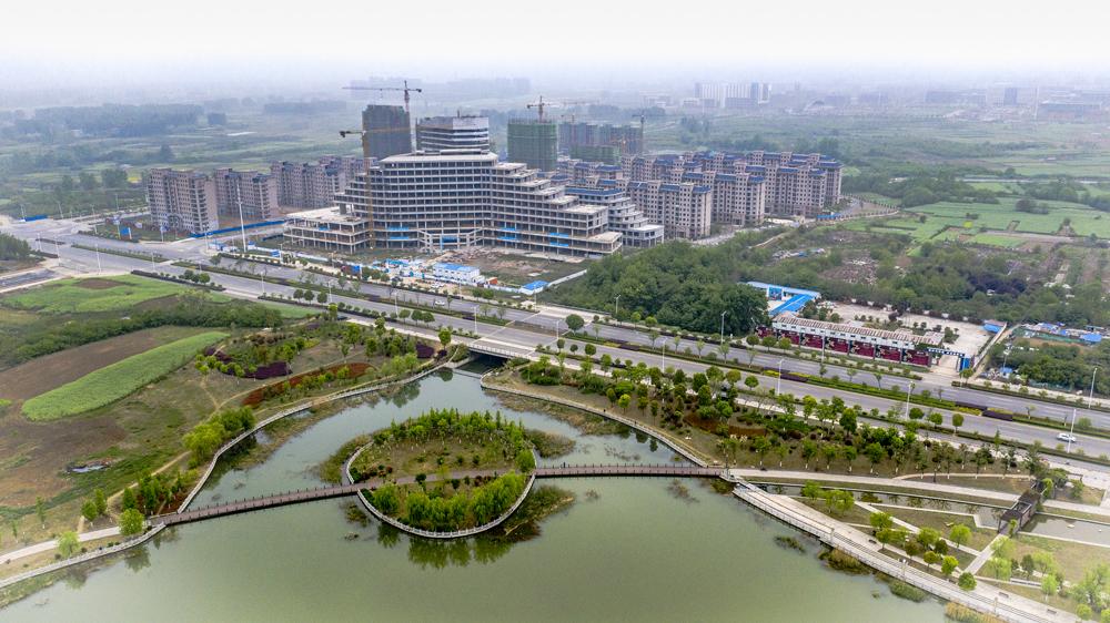 """航拍的淮南市""""城市绿肺""""舜耕山风景"""